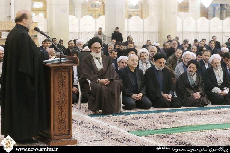 خطبه خوانی خادمان همزمان با آغاز دهه فجر انقلاب اسلامی