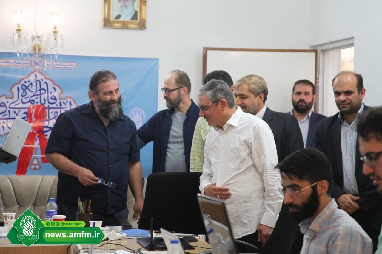 بازدید معاون وزیر دفاع از کارگاه طراحی گرافیک محیطی حرم حضرت معصومه(س)