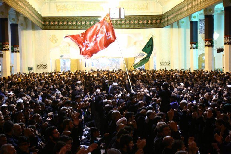 مراسم عزاداری شب شهادت امام رضا(ع) در حرم کریمه اهلبیت(س) برگزار شد +تصاویر