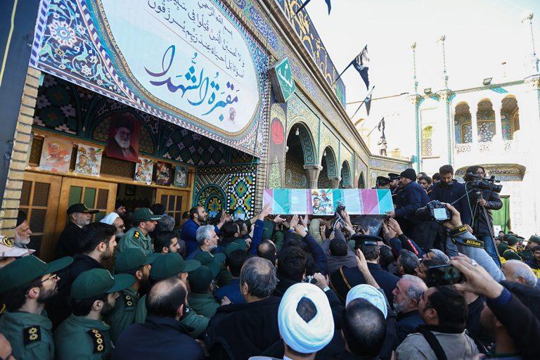 تصاویر وداع و تدفین پیکر شهید مظفری نیا در حرم