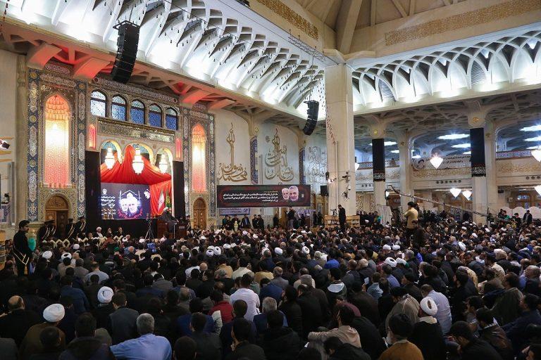 مراسم بزرگداشت شهادت سردار سلیمانی در حرم حضرت معصومه(س) برگزار شد+تصاویر