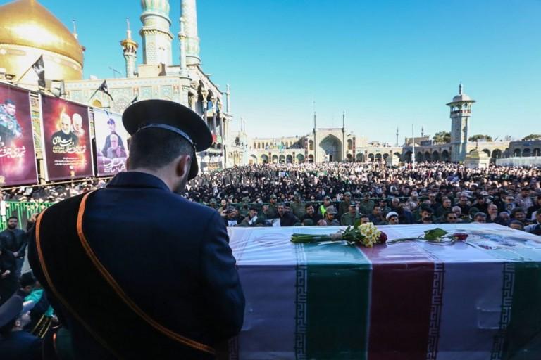 وقتی مداح ایرانی، در تشییع شهید مدافع حرم افغانی روضه ترکی میخواند/مقاومت و عزت زبان واحد ملتهای آزاده