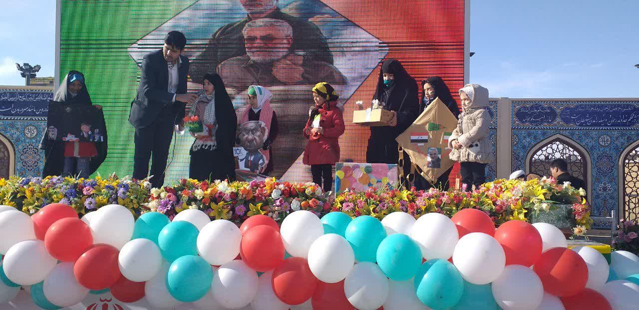دانشآموزان انقلابی در حرم کریمه اهلبیت(س) گردهم آمدند +تصاویر