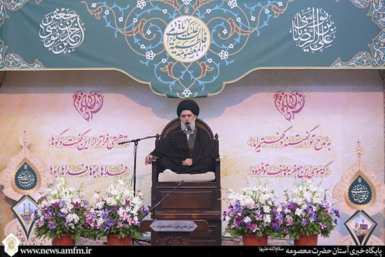 انتظار فرج و صبر توصیههای مهم امام رضا(ع) به شیعیان است