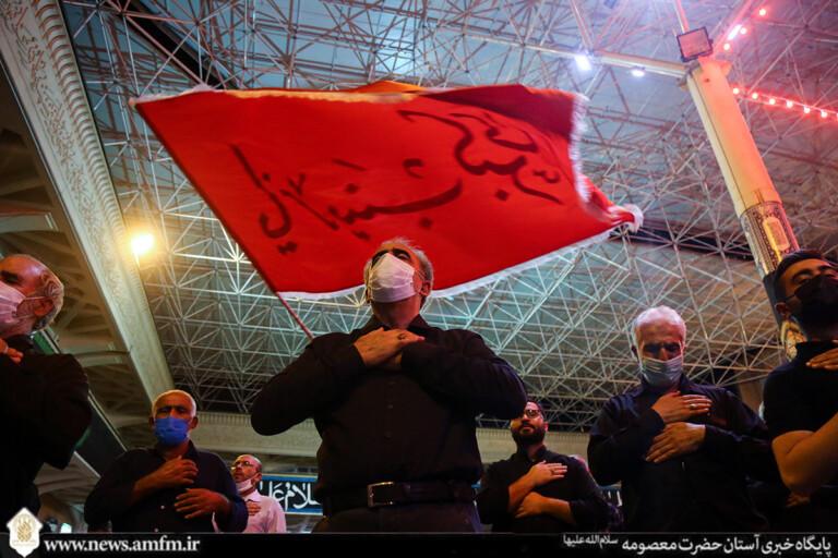 بهشتیان عزادار خورشید هشتم در حرم صاحب عزا + تصاویر