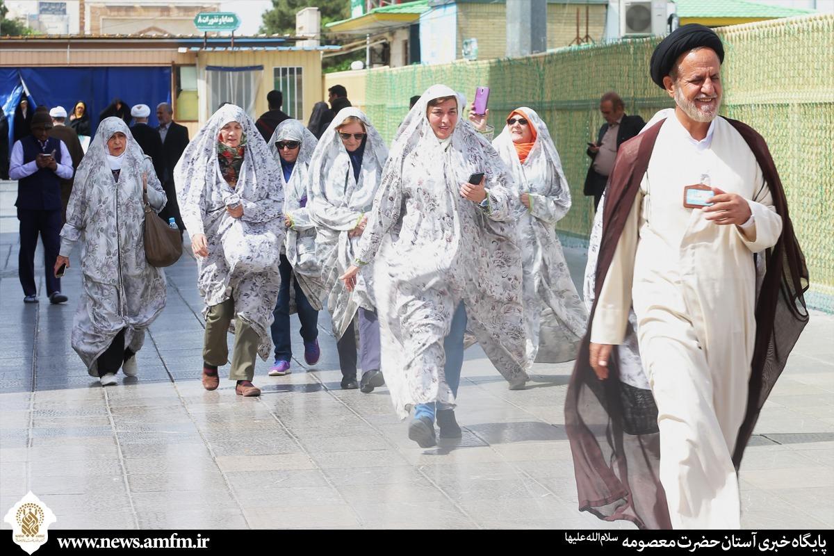 การเยี่ยมชมหะรอมท่านหญิงมะอฺศูมะฮ์(ซ.ล.)ของเหล่าบรรดานักท่องเที่ยวนับร้อยประเทศจากทั่วทุกมุมโลก