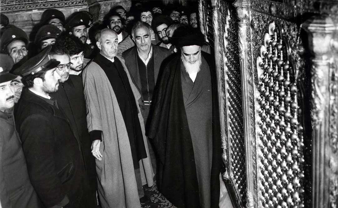 """Grand Ayatollah Khomeini: """"All minority religions are highly respected for us."""